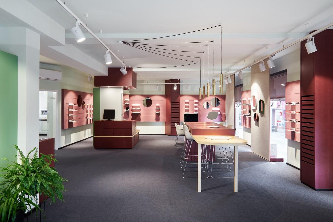 Isabell-Ehring-Innenarchitektur-Stuttgart---Umbau Ladenfläche-OPPENLÄNDEROPTIK-1.jpg